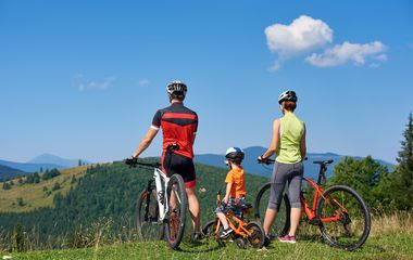 Family Cycling Tours: A Guide to Picking the Best Tours