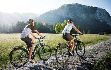 5 Reasons to Explore the World on an E-Bike Tour