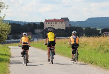 Easygoing E-Bike Tour: Berlin to Prague