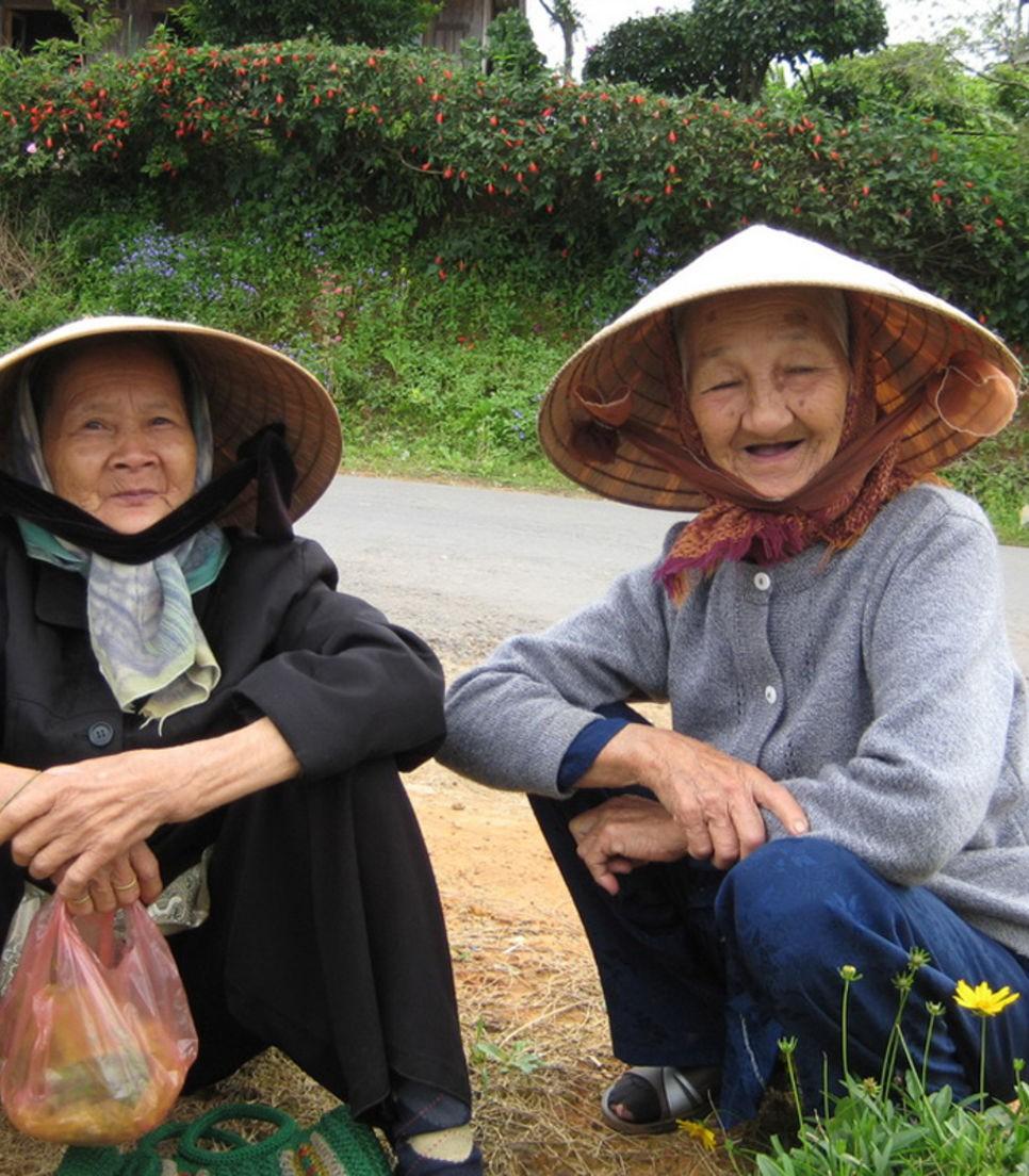 Be charmed by friendly Vietnamese folks