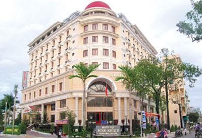 Day 3 - Ninh Kieu 2 Hotel