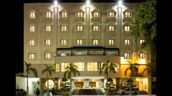 A pretty 3-star hotel in Chau Doc City that is minutes away from historical sites.