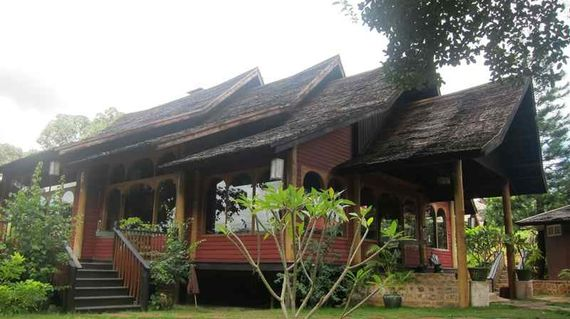 Be charmed by the bungalows and chalets that are nestled in the Shan hills