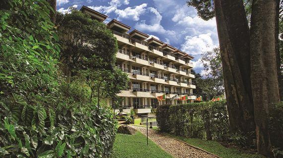 Pleasant accommodation by the Hunnasgiriya mountains