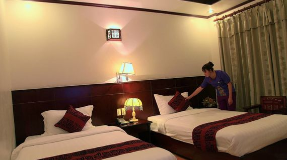 Located in the heart of CatBa with stylish Vietnamese style rooms
