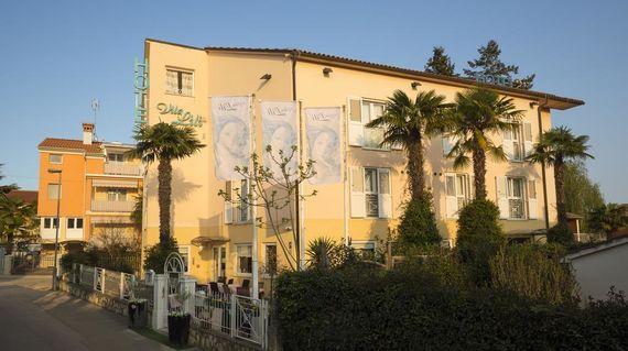 Charming hotel in a quiet neighborhood