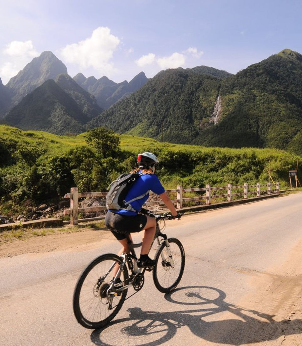 Climb up the highest road pass in Vietnam and enjoy the downhill joyride