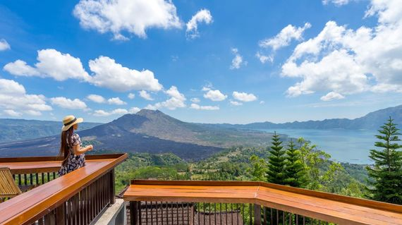 Serene accommodations with fantastic views of the Batur Volcano
