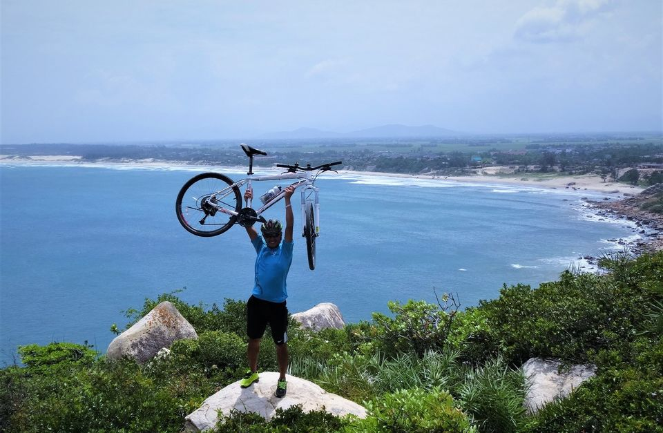 Vietnam Bicycle Tour: Coffee Highlands and Seaside Coast