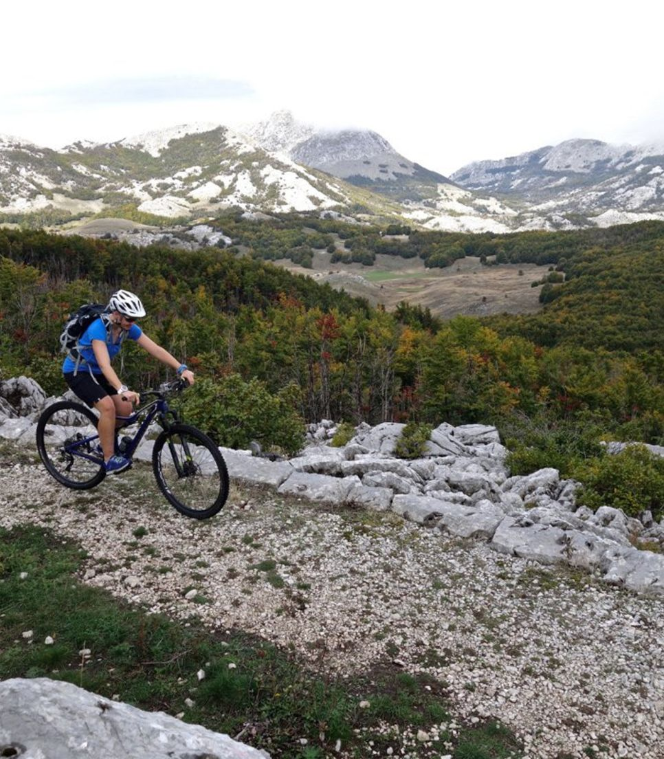 Scenic views, exciting uphill climbs and fast descents; the perfect combination for a mountain bike ride