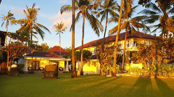 Beach side hotel with a Balinese ambience