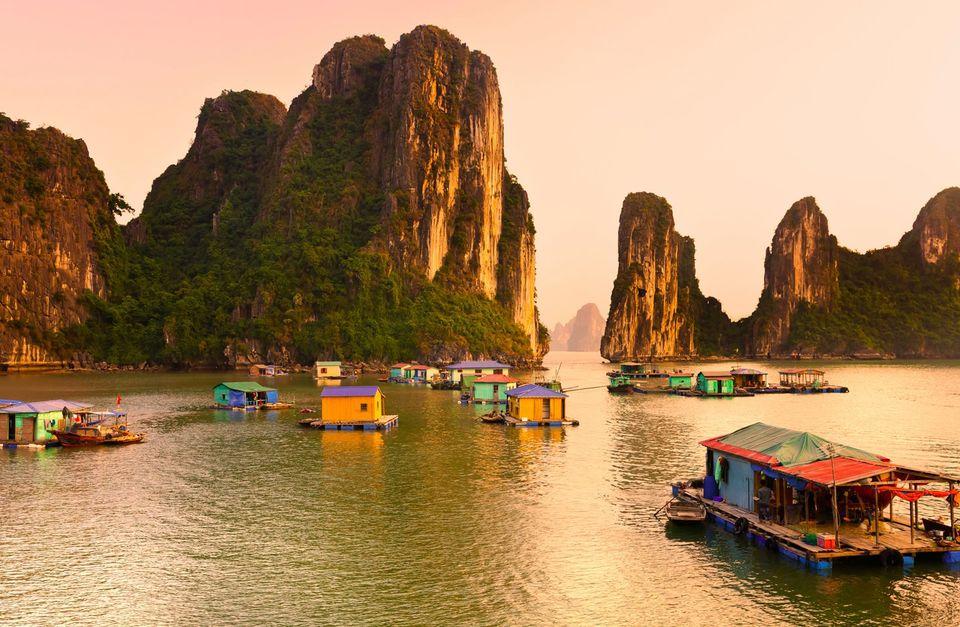 Vietnam Bike Tour: Ha Long Bay Cycle and Cruise