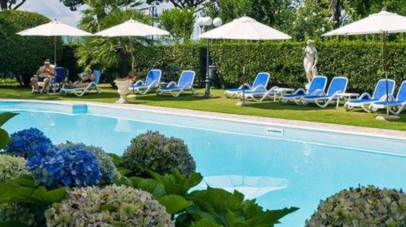 The oldest hotel in the town of Bolsena with elegant rooms and outdoor pool.