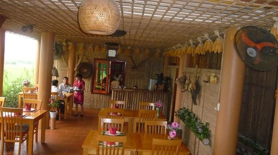Enjoy spectacular views, comfortable rooms and fine food at this lovely hotel in Mai Chau
