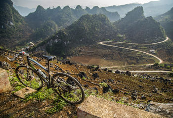 Mountains and Beaches: Ha Giang to the Coast
