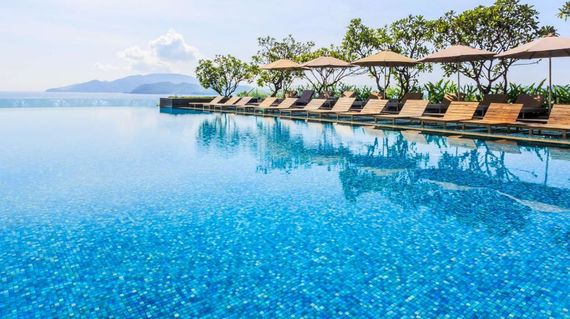Just a two-minute walk from the beach, experience the opulent reputation of a Sheraton hotel in the middle of Nha Trang