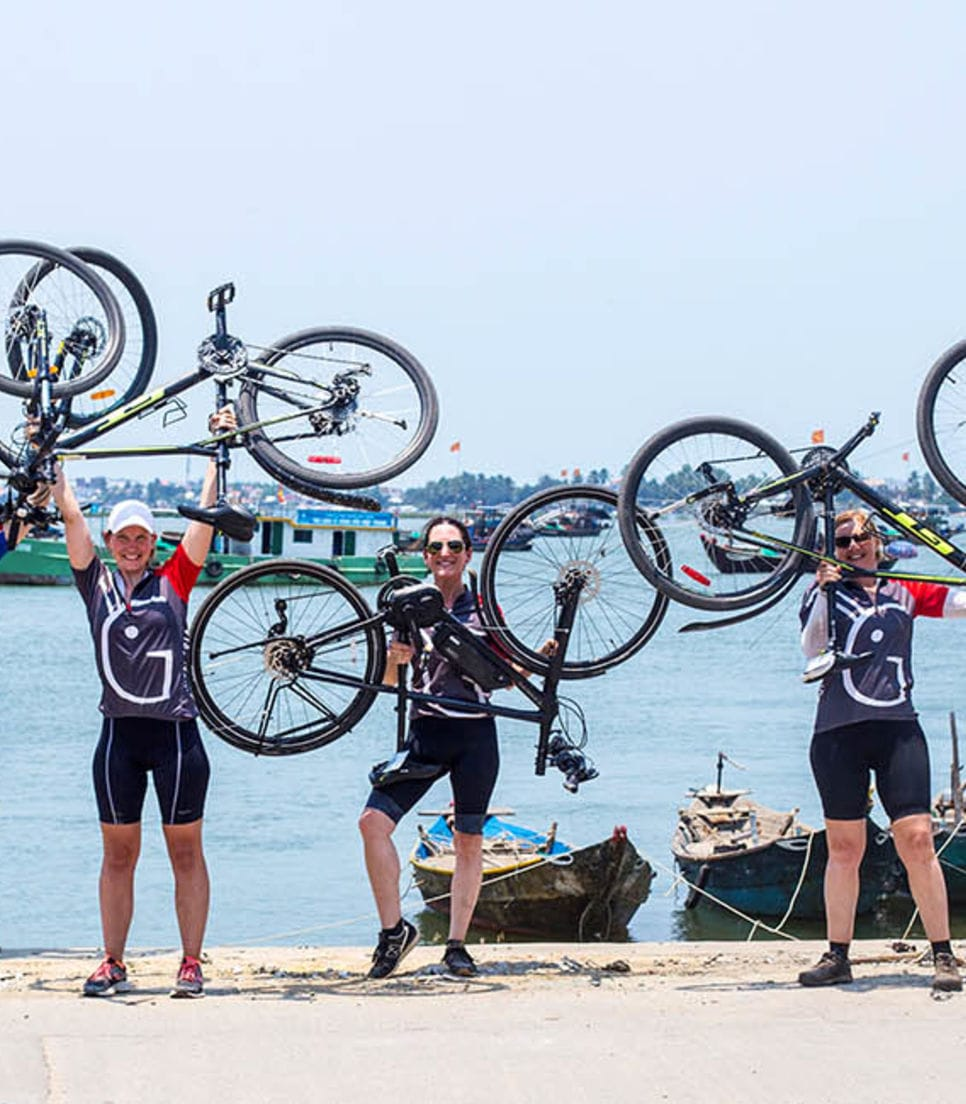 Discover the coastlands and highlands of Vietnam in good company and achieve new cycling goals