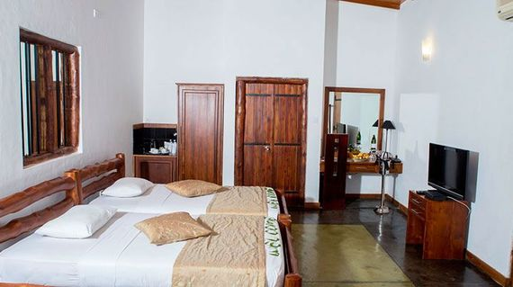 This eco-friendly comfortable hotel is owned by the famous Sri Lankan Cricketer, Mr. Romesh Kaluwitharan, and is located in exceptional scenery