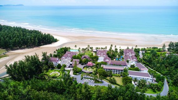 Comfortably poised on the sands overlooking the Andaman Sea, Apsara is a modern sanctuary offering exotic vistas, exceptional facilities and Thai hospitality