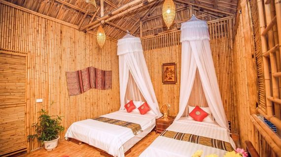 Cosy up in a bamboo bungalow in this spectacular and peaceful location. Spend your last night in very comfortable and traditional surrounds; a unique spot.