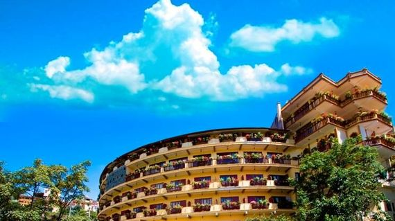In a distinctive circular building, this comfortable hotel has magnificent views over the Muong Hoa Valley and Mount Fansipan