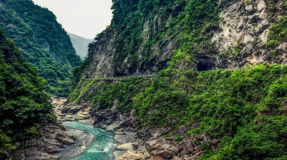 Spend several days enjoying the world famous Taroko Gorge and all its natural awe-inspiring beauty