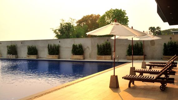 A modern and comfortable hotel situated in Phayao with rooms featuring a balcony and a delightful communal pool