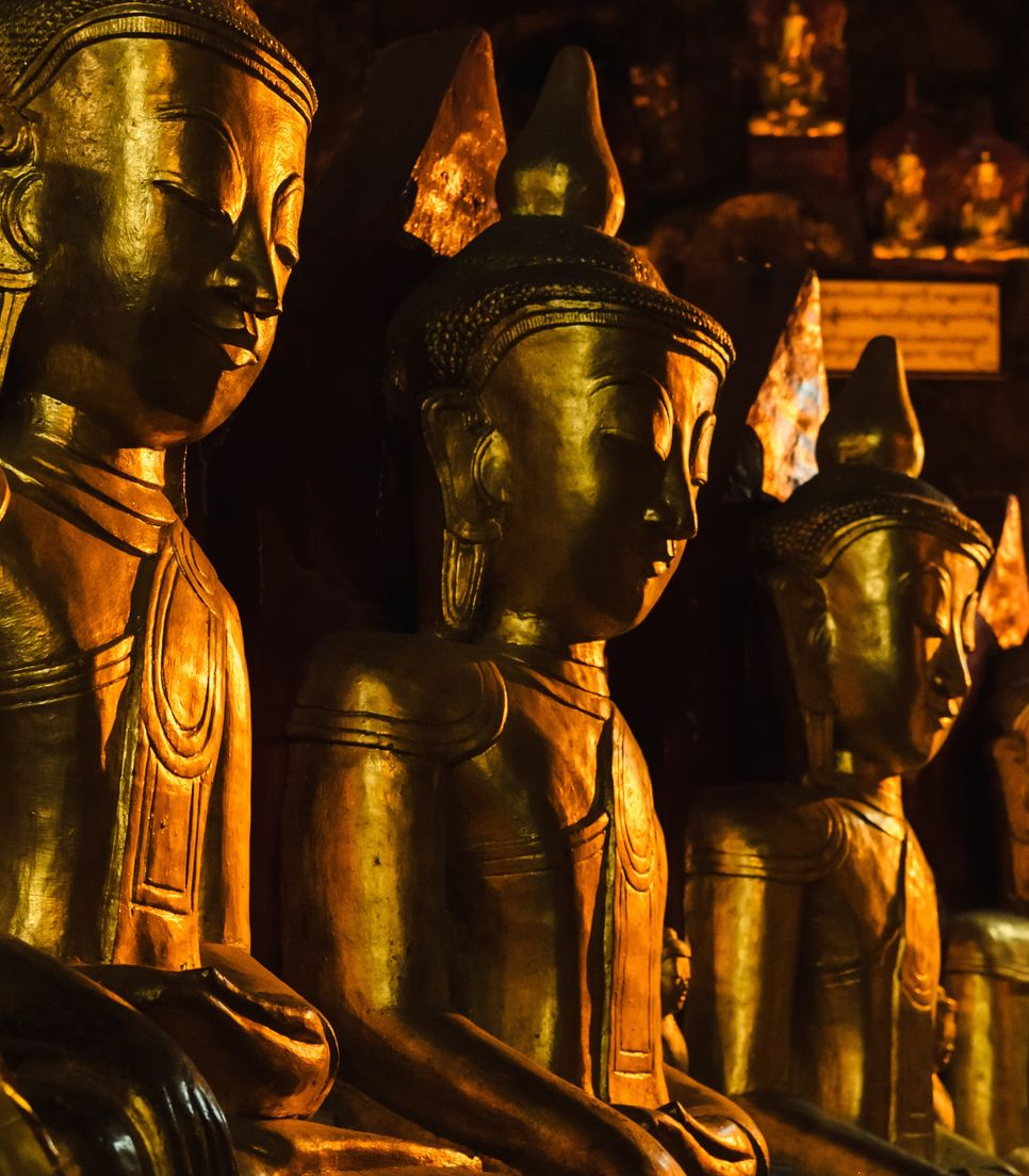 Your family will be enchanted by the extensive cave filled with gold Buddhas in stunning Pindaya
