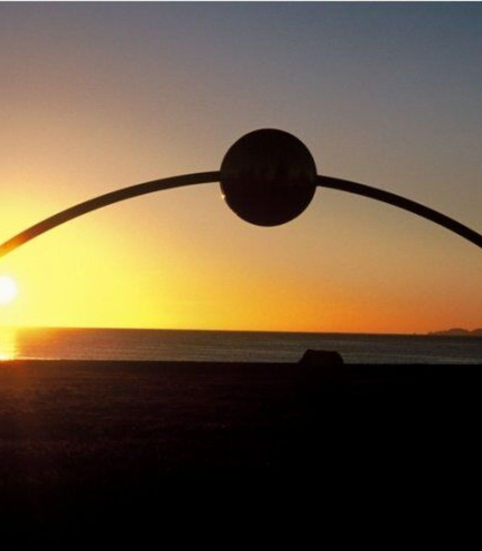 Located on Marine Parade in Napier, this sculpture was designed to be in the exact position the sun rose on the dawn of the new millennium