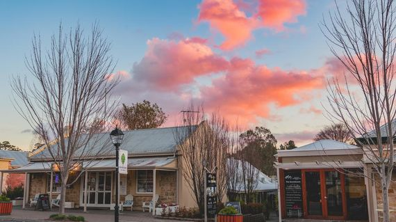 Nestled in the beautiful Adelaide Hills, this boutique motel is furnished with Scandinavian decor and is supremely comfortable, stylish and central