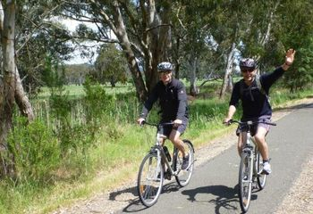 Tour de Bright: Cycling Tour Beechworth to Bright
