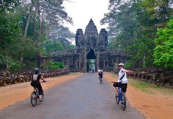 Cambodia Cycle Tour: Phnom Penh to Siem Reap