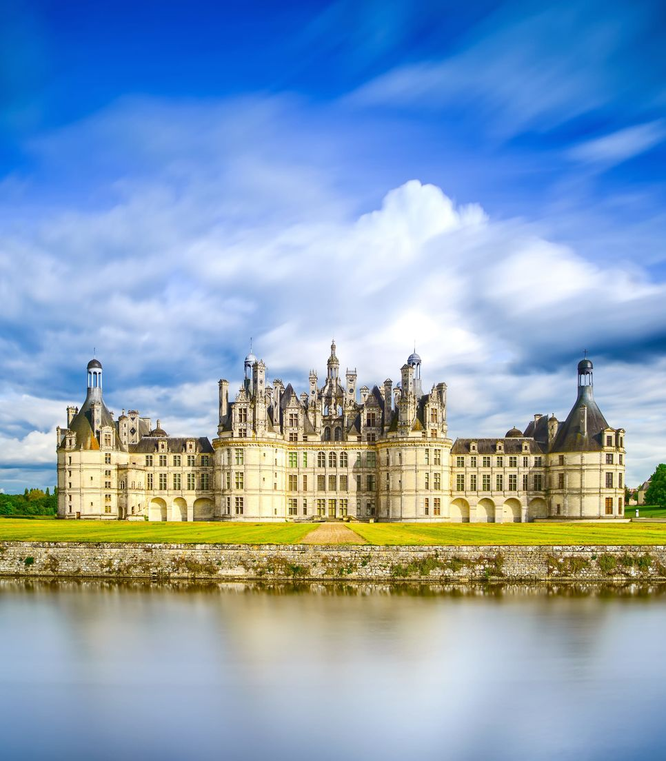 On day 6 you'll visit this magnificent medieval chateau, a UNESCO heritage site and a beautiful sight to behold