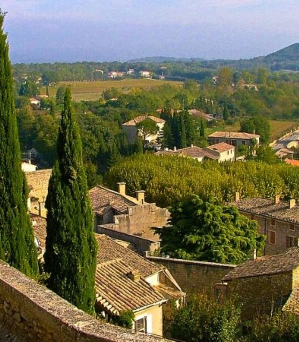 Savour your surroundings as you tour the delightful villages and towns of the region