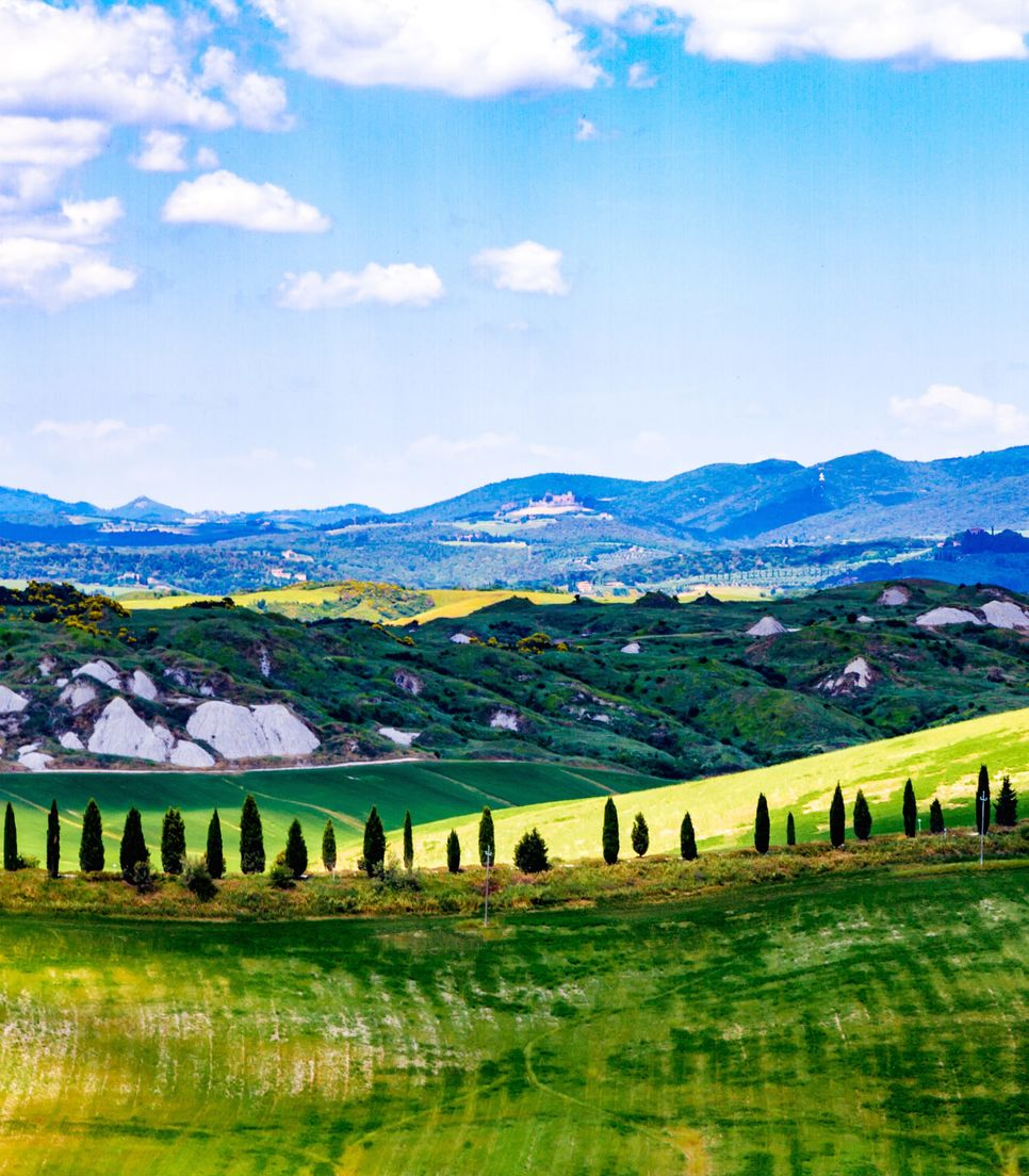 Enjoy the fantastic views and pleasing landscape as you discover beautiful Tuscany by bike