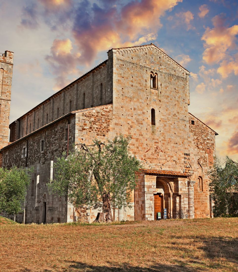 On day 4 you'll ride in and around Montalcino, to discover its heritage and beauty