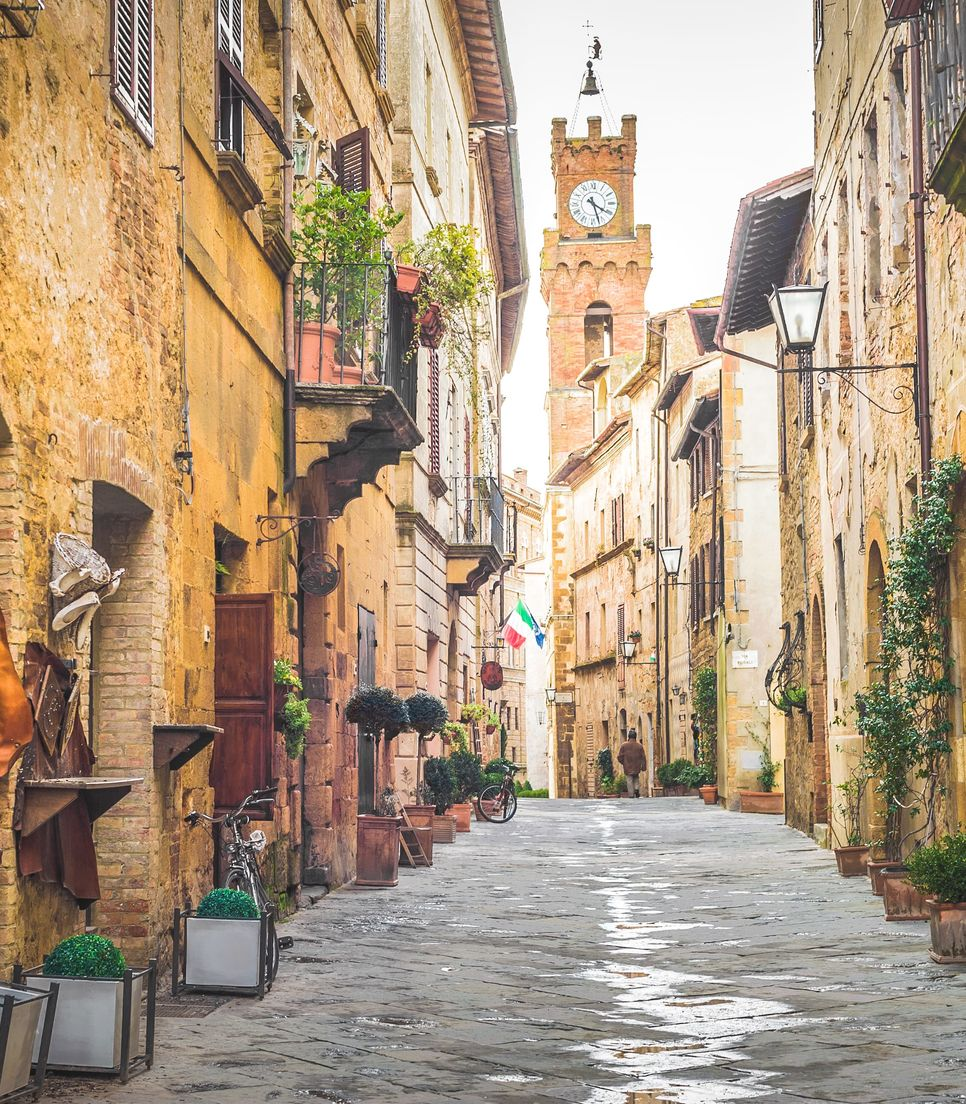 Explore the delightful villages of Tuscany