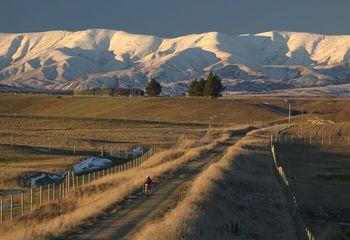 Central Otago Luxury E-Bike and Wine Tour