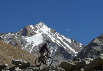 Mountain Bike Kathmandu to Pokhara