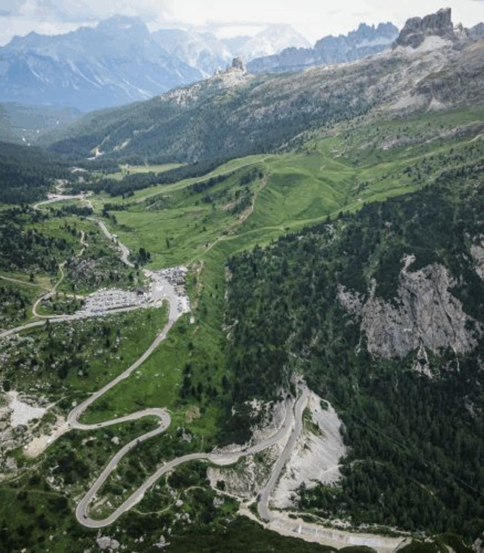 Explore the exciting routes around the majestic Dolomites