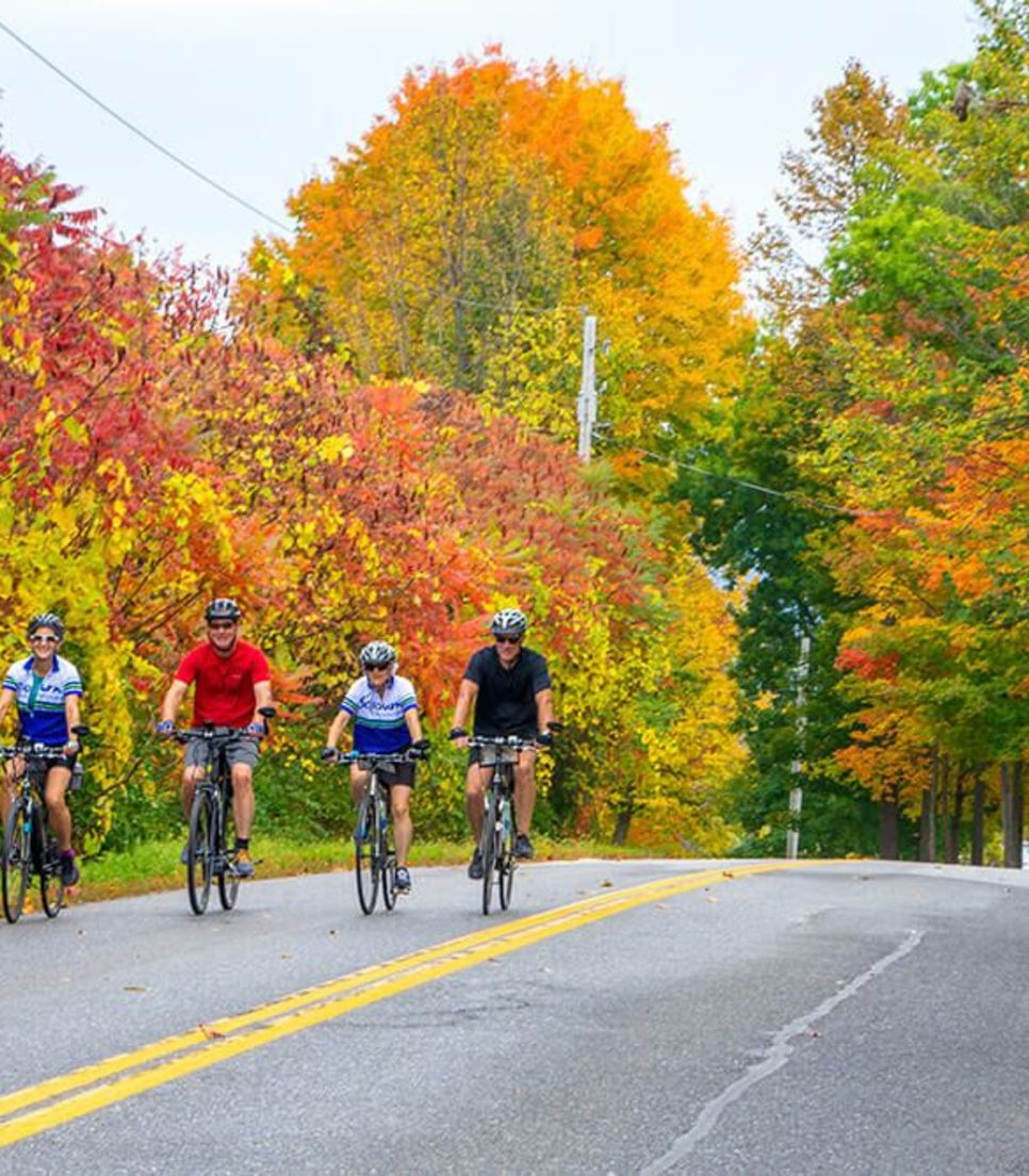 Join a tour with like-minded friendly cyclists and discover the glory of Vermont in the fall