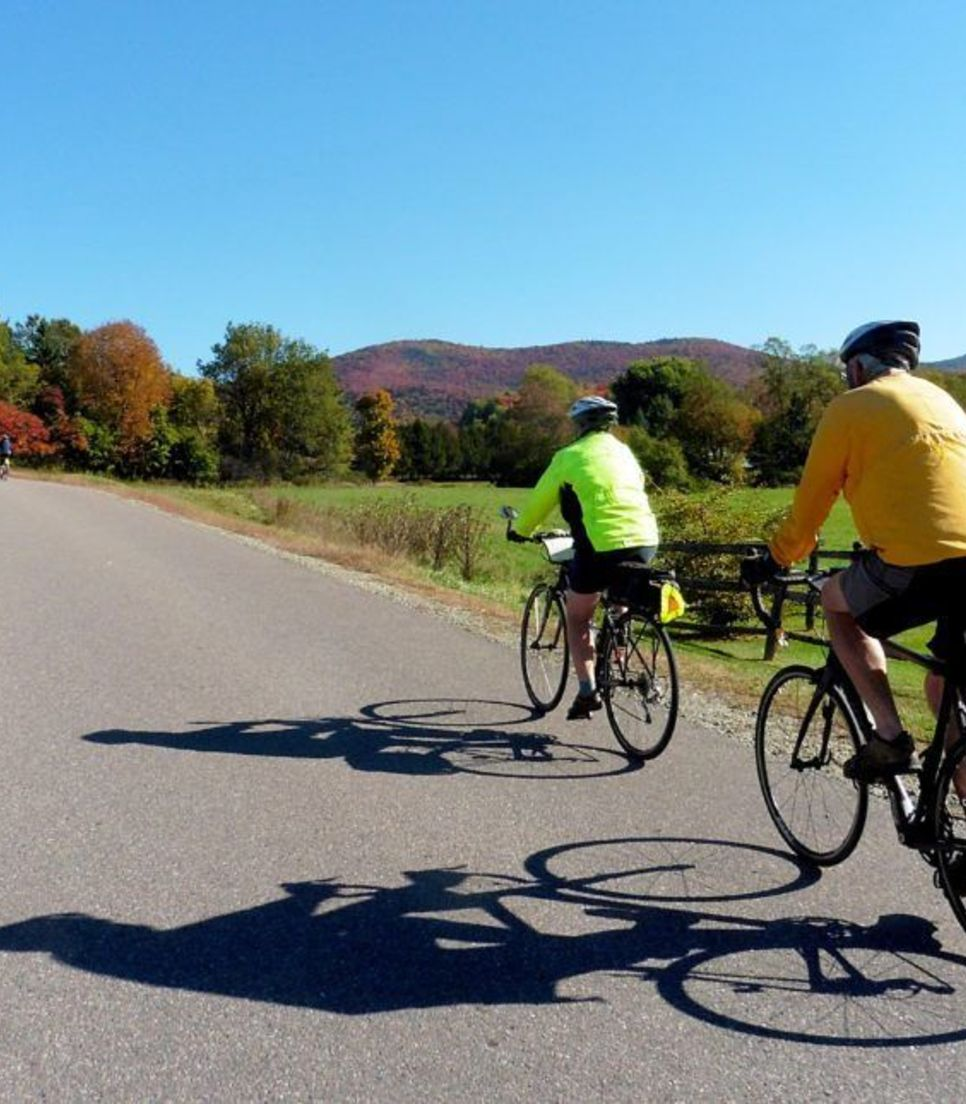 Participate in a well-organised cycle tour with plenty to see and do along the way