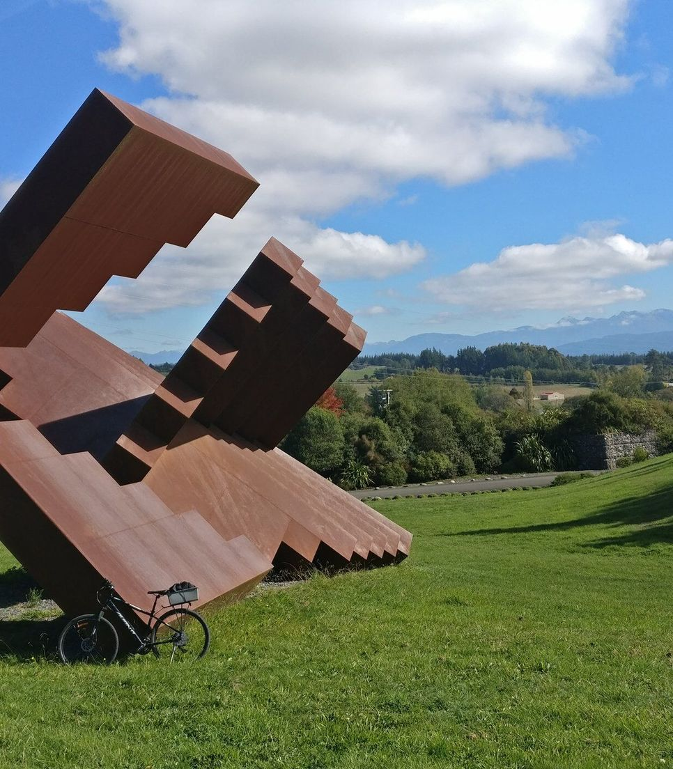 Discover sculptures and unexpected artistic touches along the route