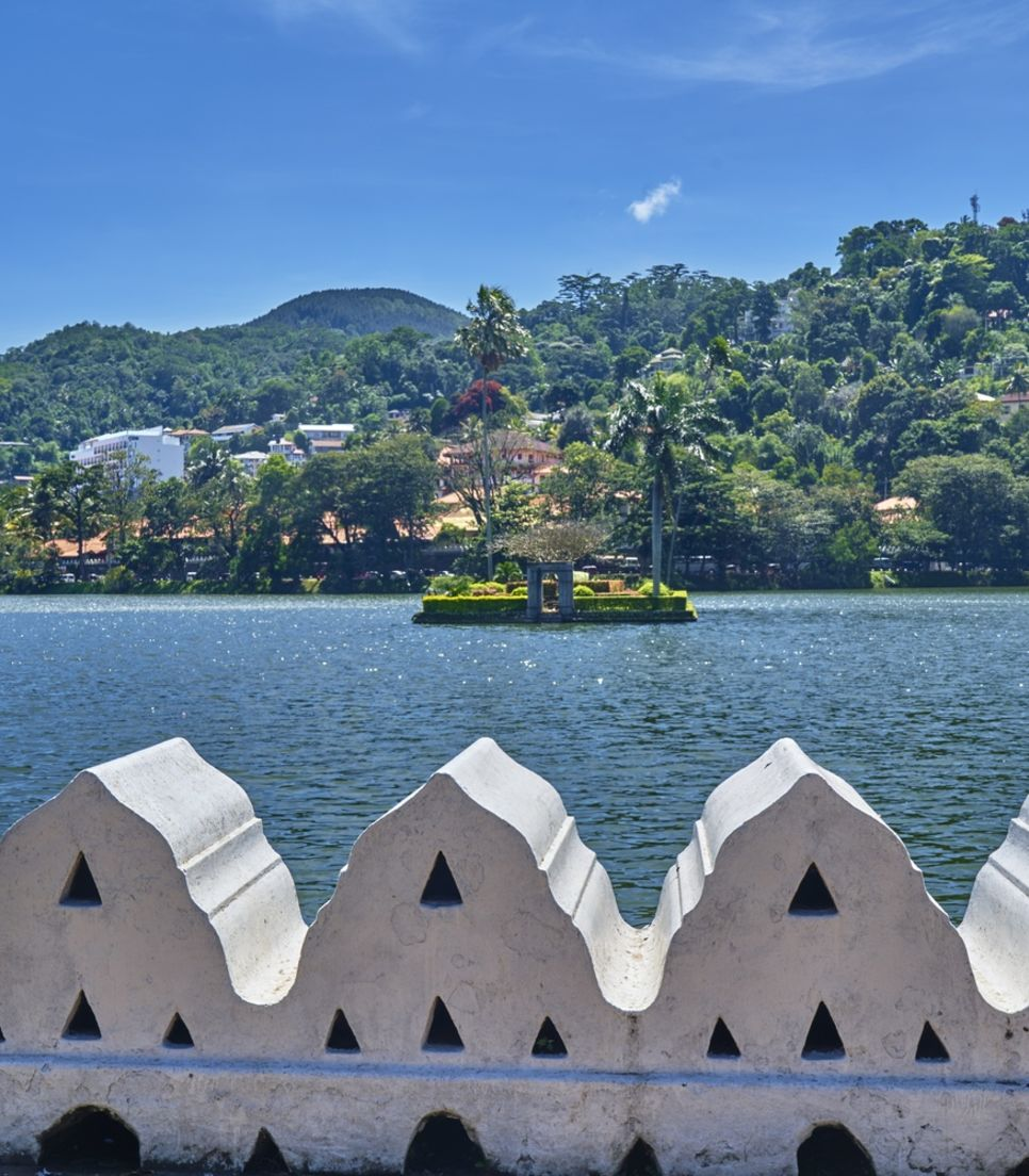 Ride with gorgeous views of Sri Lanka's lakes