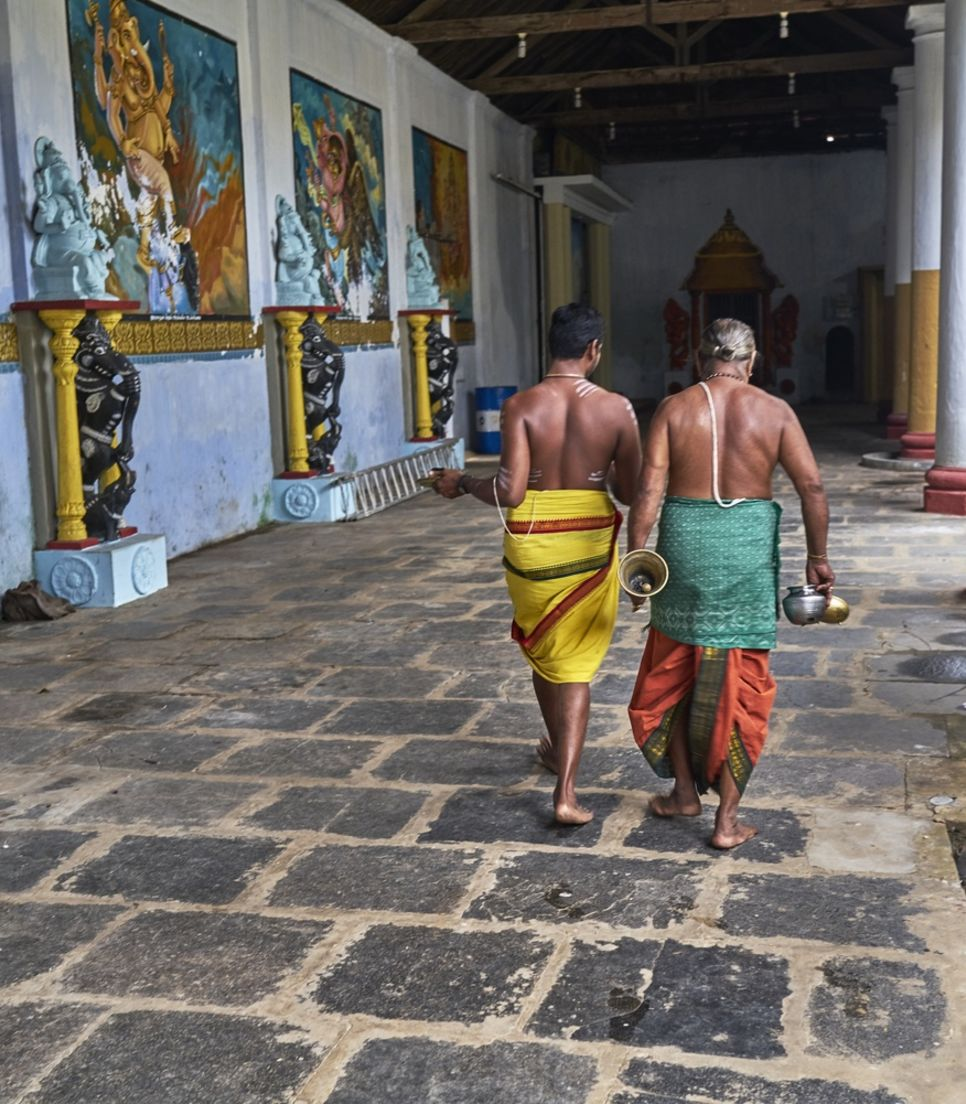 Get to know the history and people of Sri Lanka