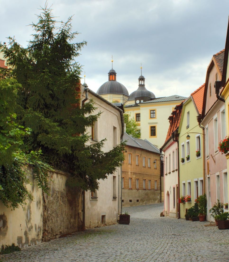 Stay in this delightful city on day 5 and explore the exquisite old town