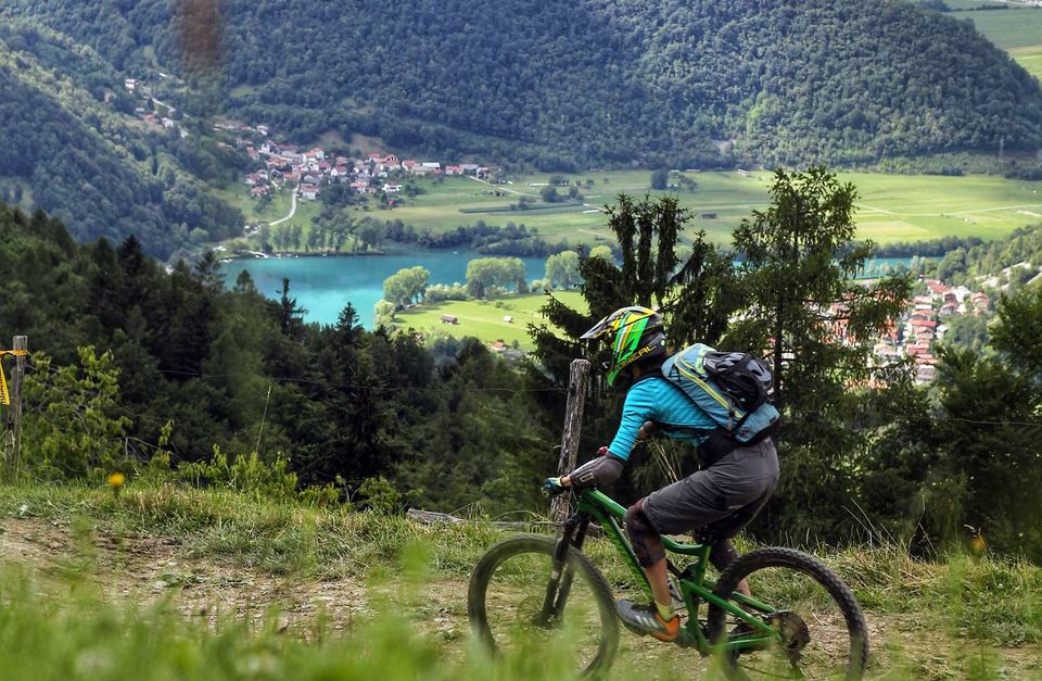 Women-Only Mountain Bike Retreat