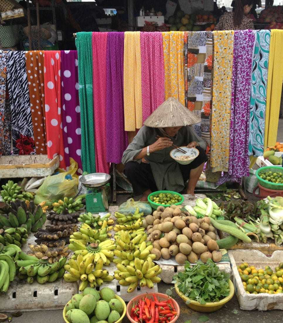 Sniff the fragrant fruits and immerse yourself in Vietnam and Cambodia's colors