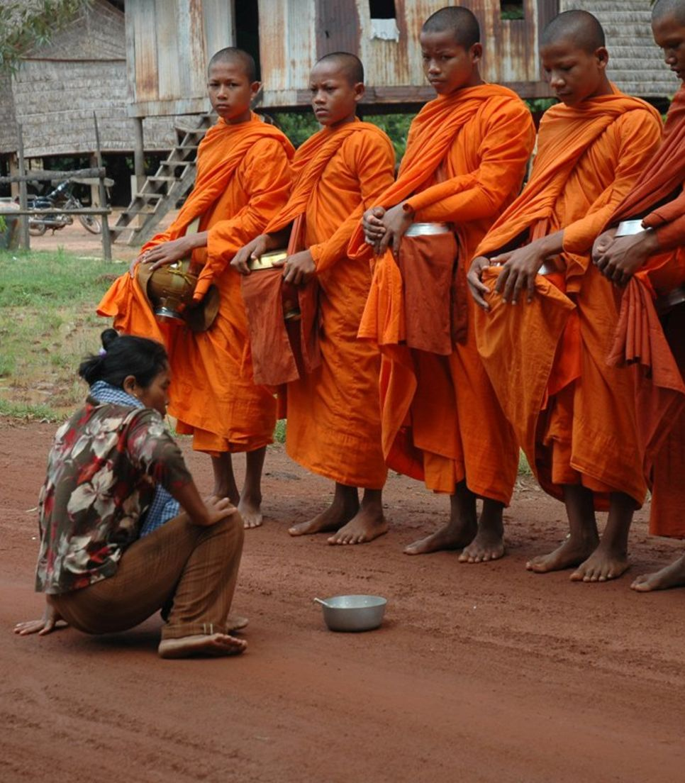 Gain insight into daily Cambodian life and the traditions that they follow