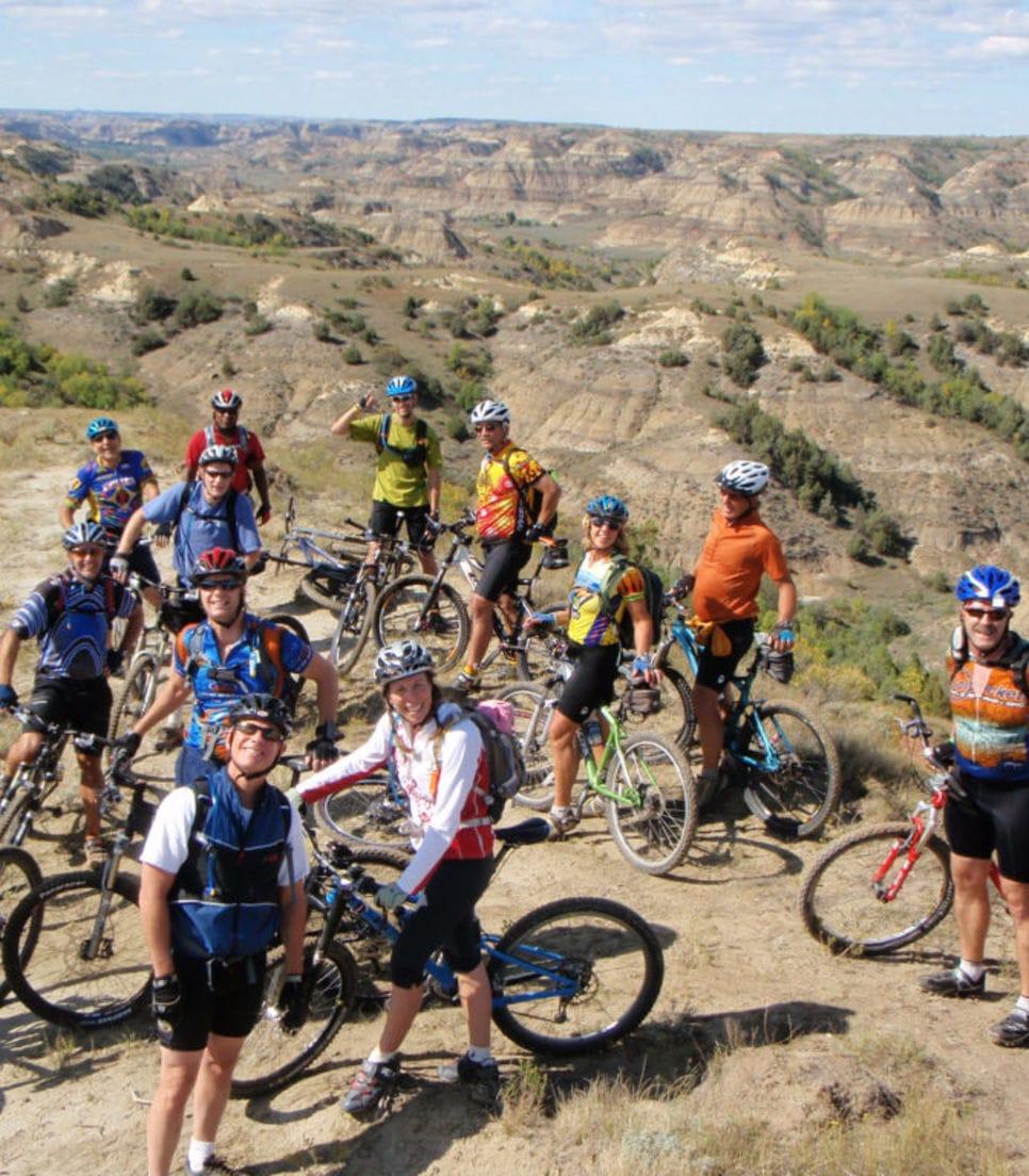 Mountain bike North Dakota in a friendly group